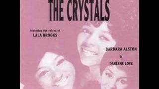 The Crystals - Santa Claus is coming to .....