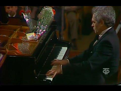 Lev Vlassenko plays Liszt Hungarian Fantasy - video 1986
