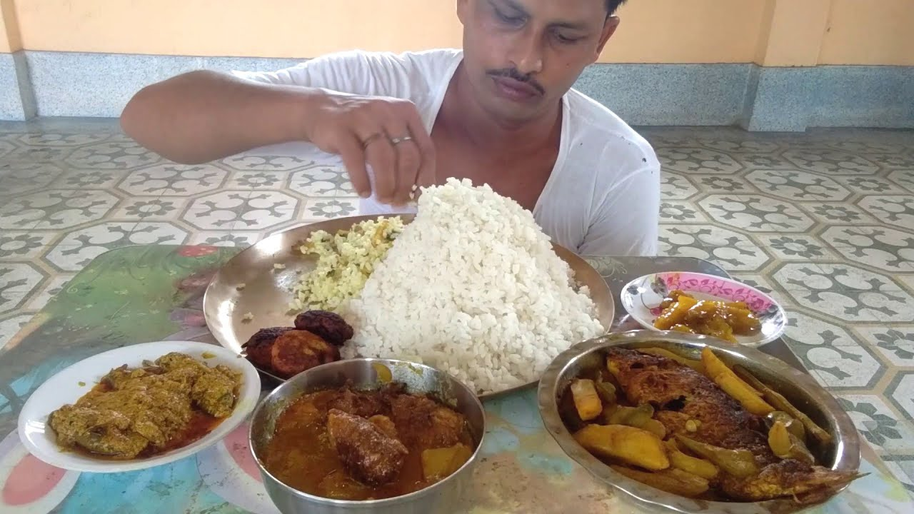 Eating Rice like Himalayan Hill with Oil Pointed Gourd - American Rui Fish Curry