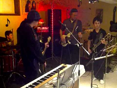 Gianluca Servello Playing Pink Floyd With Nick Rot...