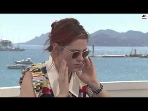 Kristen Stewart,Olivier Assayas,Juliette Binoche,Chloe Grace Moretz COSM Cannes Interview
