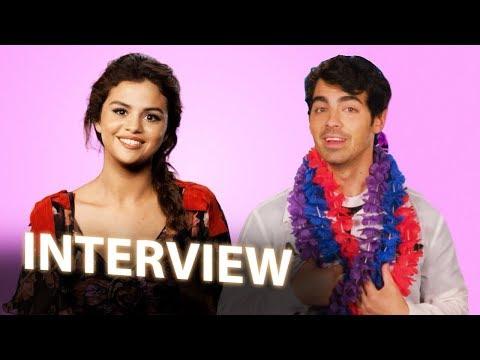 Selena Gomez & Joe Jonas Interview | HOTEL TRANSYLVANIA 3: SUMMER VACATION (2018) Mp3