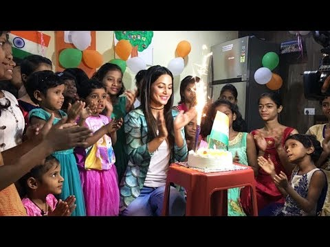 Hina Khan CELEBRATES Republic Day With Orphan Children
