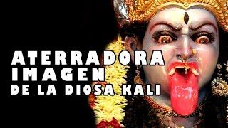 Escalofriante Imagen de la Diosa Kali l Pasillo Infinito Documentos
