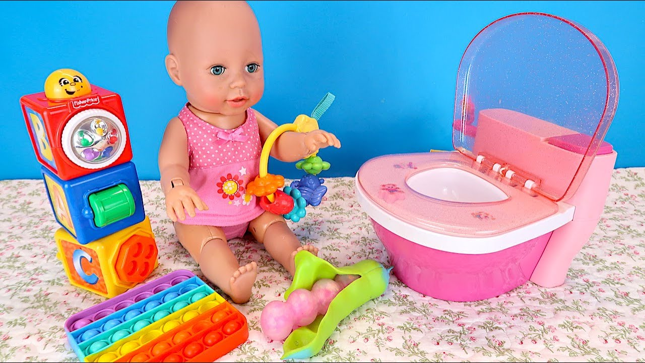 Не Хочет Сидеть На Горшочке Мультики Как Мама Играет в Куклы  Беби Анабель 108мама тв
