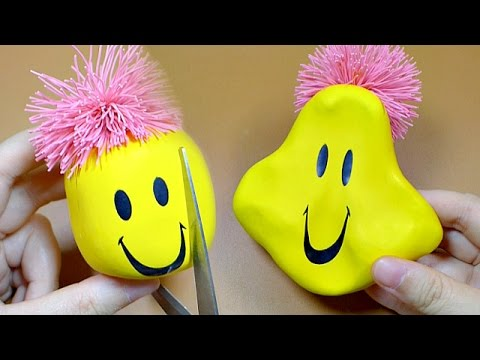 Squeezing & Cut Open Moody Face Stress Ball [What's Inside]
