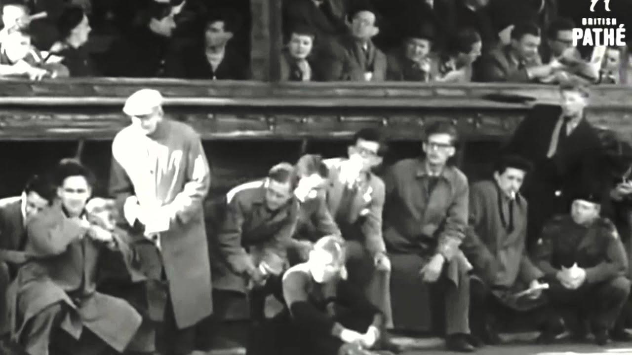 Roger Bannister: Breaking the 4-minute mile - YouTube
