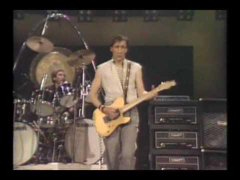 THE WHO -- Young Man Blues.wmv -- Toronto 12-17-82