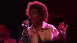 Solange - Looks Good With Trouble (Live @ Nouveau Casino, Paris) [2013-01-18]