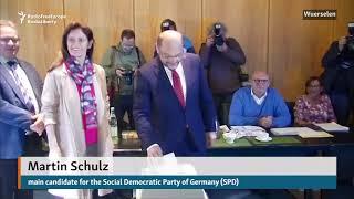 Merkel, Schulz Cast Ballots In German Parliamentary Elections thumbnail