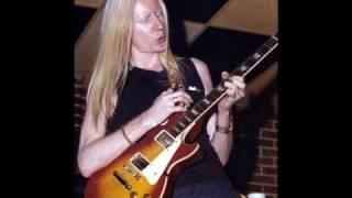 Watch Johnny Winter Avocado Green video