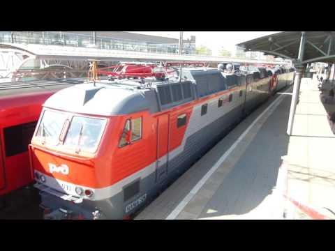 Ruská elektrická lokomotiva ČS7+ruská motorová lokomotiva 2M62 (FHD)