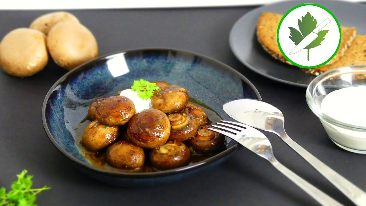 Geschmorte Champignons mit Knoblauchsoße wie vom Weihnachtsmarkt
