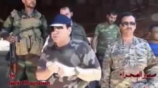 قائد مليشيا صقور الصحراء يلقي خطبة شيعية في القرى العلوية