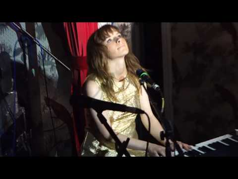 Gabrielle Aplin Salvation live in Manchester