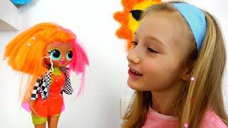 Polina organizó un salón de belleza para muñecas