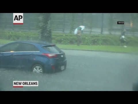 Widespread flooding in New Orleans