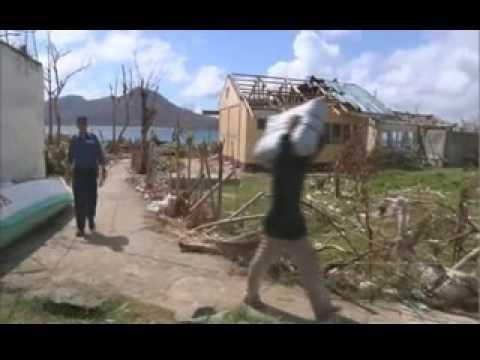 HMS Daring provides aid to Philippine island communities