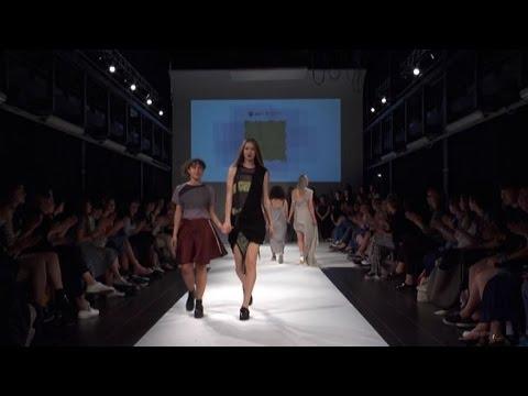 Al politecnico di milano sfila il futuro della moda youtube for Politecnico di milano design della moda