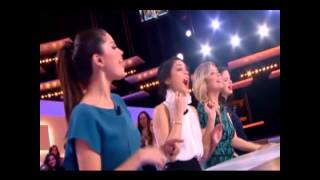 "Selena Gomez, Vanessa Hudgens, Ashley Benson and Rachel Korine singing ""Baby one more time"". (HD)"