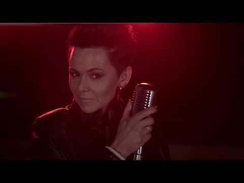 "JENNIFER ZAMUDIO ""Altyd myne"" (Amptelike Musiekvideo)"