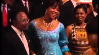 Bongo ondimba bon anniverssaire chanté par Madilu systeme
