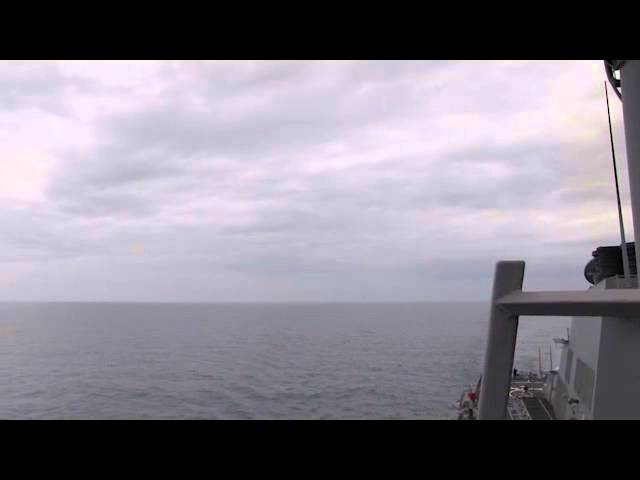 """Полет российского Су-24 над эсминцем ВМС США """"Росс"""""""