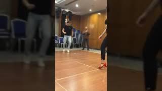 Девушка танцует просто секс