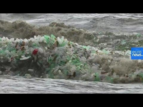 شاهد: أمواج من النفايات البلاستيكية على شاطئ في جنوب إفريقيا…  - نشر قبل 4 ساعة