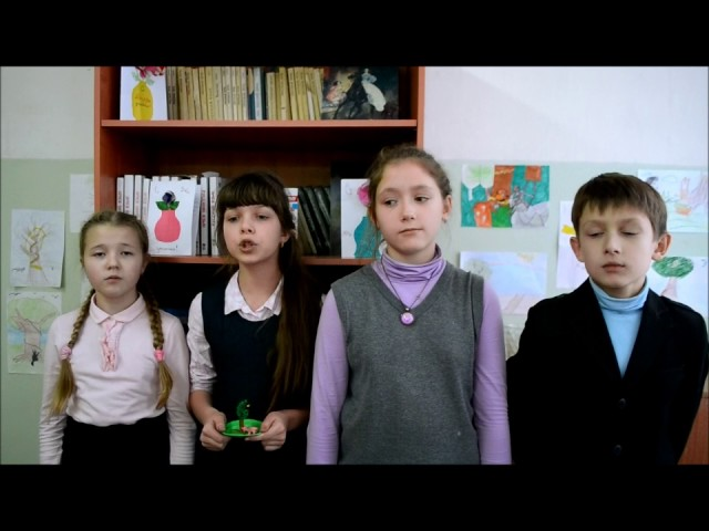 Изображение предпросмотра прочтения – «Ученики 5-ых классов» читает произведение «Свинья под дубом» И.А.Крылова
