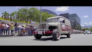 Desfile de autos clásicos y antiguos 2018