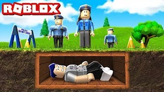 WE ARE RUNNING FROM THE STUPIDEST POLICE IN ROBLOXAS!
