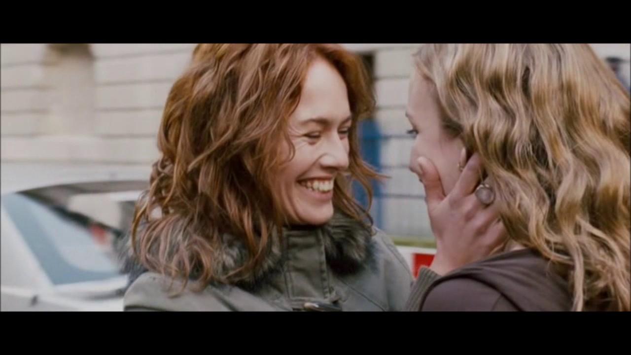 movie in Lesbian kissing