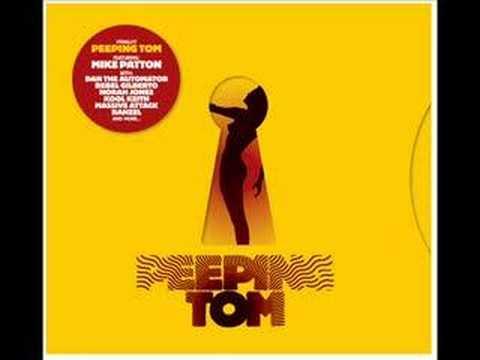 peeping-tom-were-not-alone-emilia-zoltowska