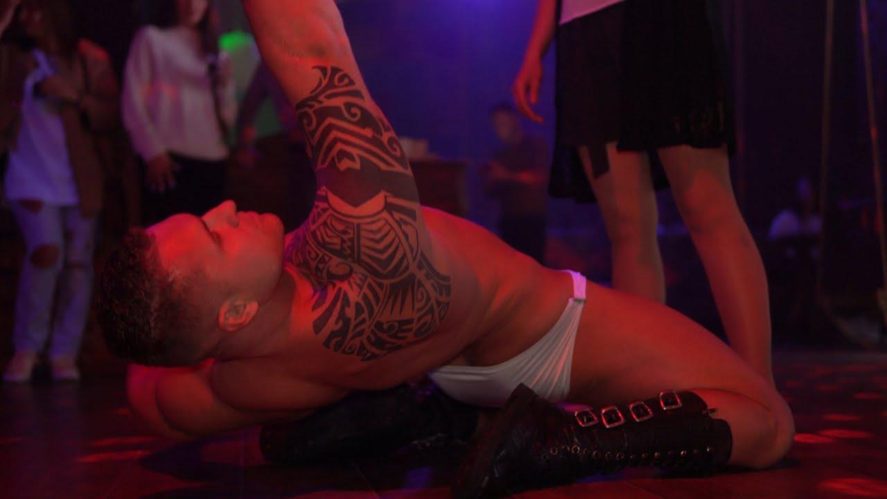 Ночной клуб мужской стриптиз для женщин клуб найс москва