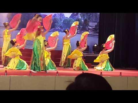 Múa hát chèo - ca dao Việt Nam