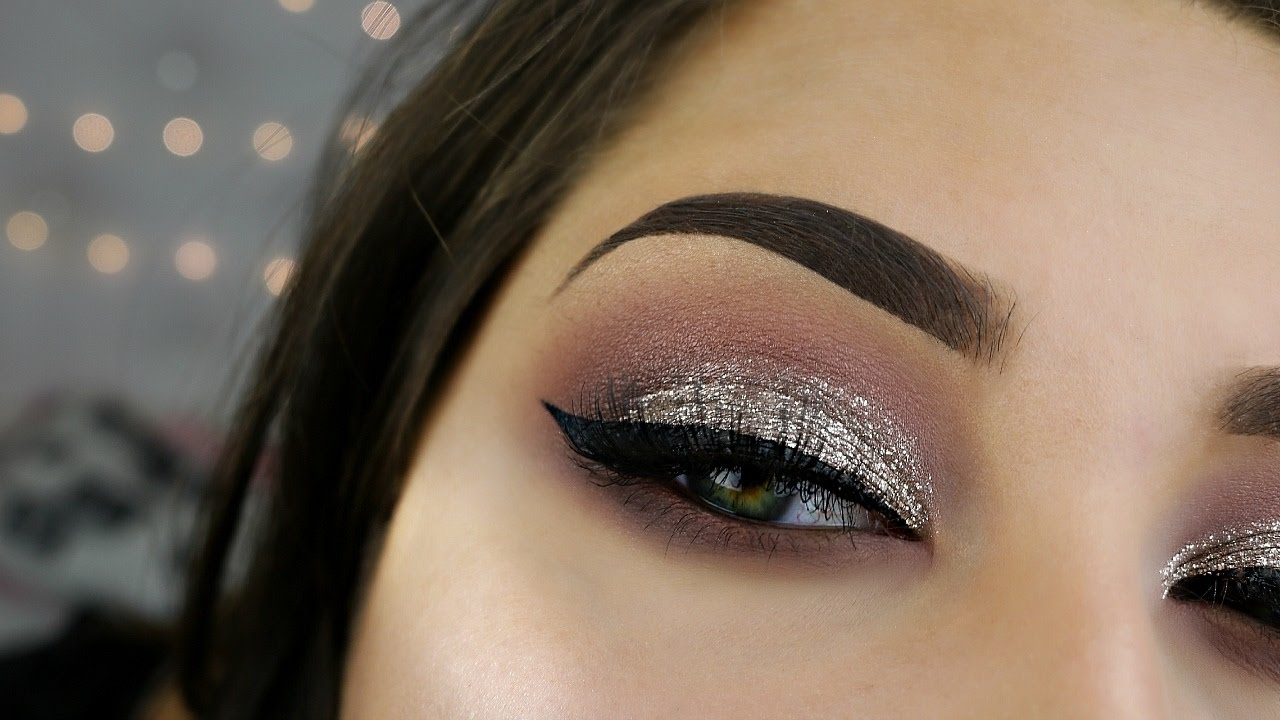 silver glitter smokey eye makeup tutorial mugeek vidalondon. Black Bedroom Furniture Sets. Home Design Ideas