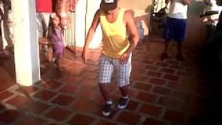 Eliud y Cirindo bailando champeta que bien bailan!!!!.3GP