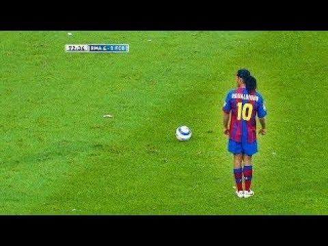 Ronaldinho's goal that stunned the world and make Messi and Ronaldo students next to him !!
