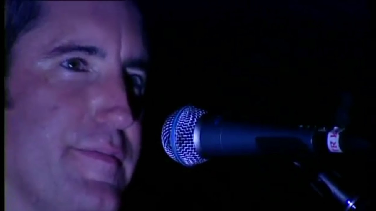 Nine Inch Nails Hurt Lyrics 和訳 - YouTube