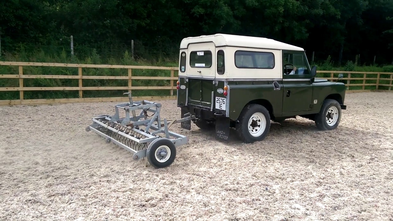 1976 land rover series 3 pulling an arena harrow youtube. Black Bedroom Furniture Sets. Home Design Ideas