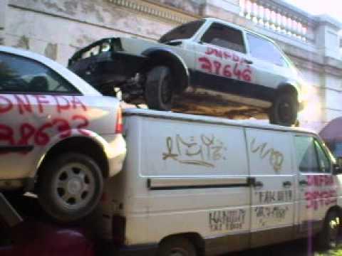 Cementerio De Autos En El Barrio De La Paternal Bs As Youtube