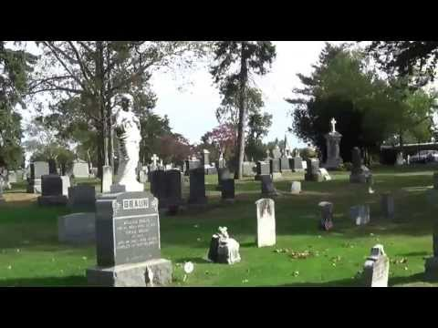 """Grave Site of """"Unsinkable """" Molly Brown 1st Class Passenger of Titanic"""