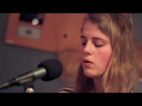 Marika Hackman - Deep Green (Live on Amazing Afternoons)
