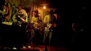 Groove Na Chapa Brass Band -  Keep That Body Shaking (Rebirth)