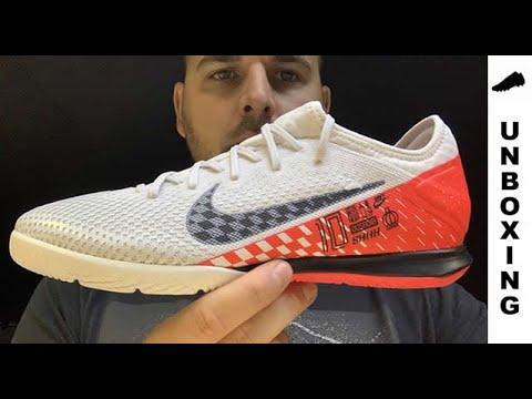 matraz Shinkan suerte  Nike Mercurial Vapor 13 Pro IC NJR Speed Freak - YouTube