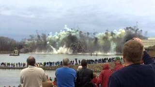 Demolition of Blanchette Bridge - St. Charles, Missouri (12/4/2012)
