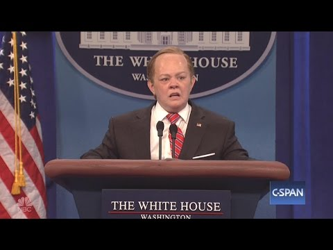 "Melissa McCarthy plays Sean Spicer on ""Saturday Night Live"""