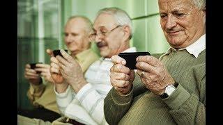 Пенсионеров обяжут обзавестись смартфонами в 2019 году!