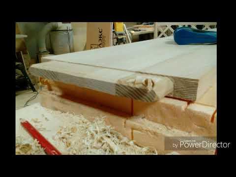 Кровать с круглыми колоннами под балдахин+тумбочки